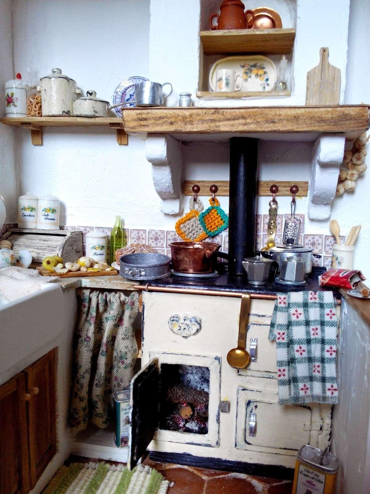 Risultati immagini per mensole cucina fai da te cucine pinterest dollhouse ideas - Mensole per cucine ...
