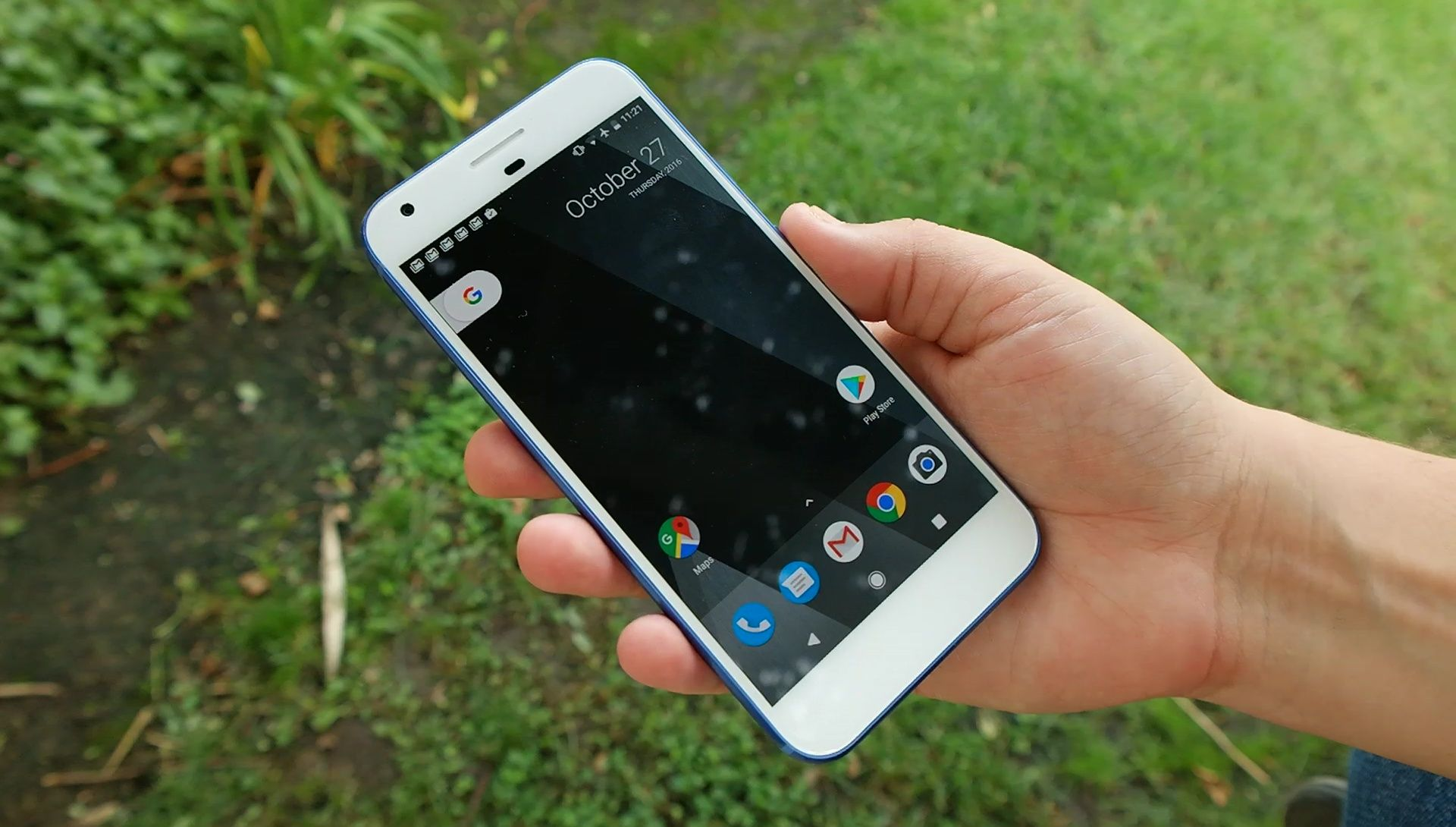 Google wants LG s curved OLED screens on the Pixel 2 or 3
