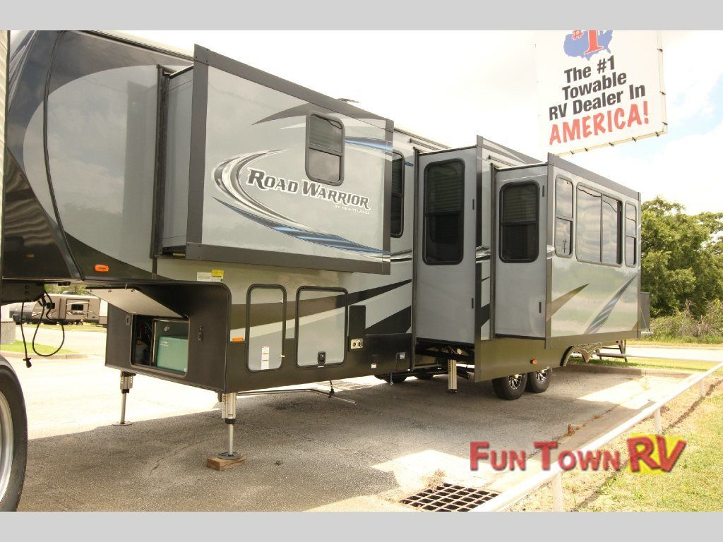 2017 Heartland Road Warrior 362rw Giddings Tx Rvtrader Com Rv Rvs For Sale Camping Trailer