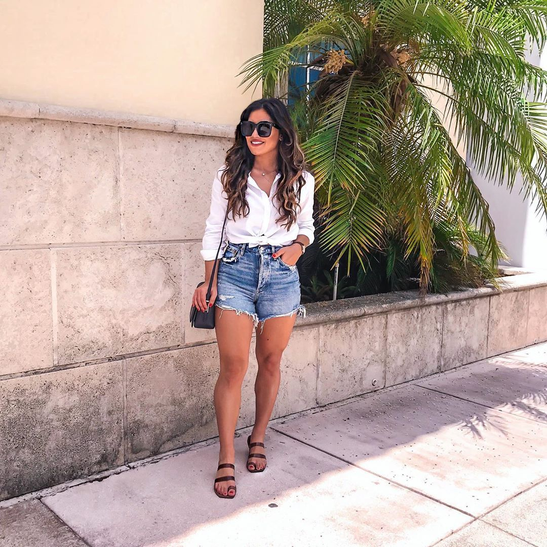high waisted denim shorts outfit via @kristaperez  Summer fashion