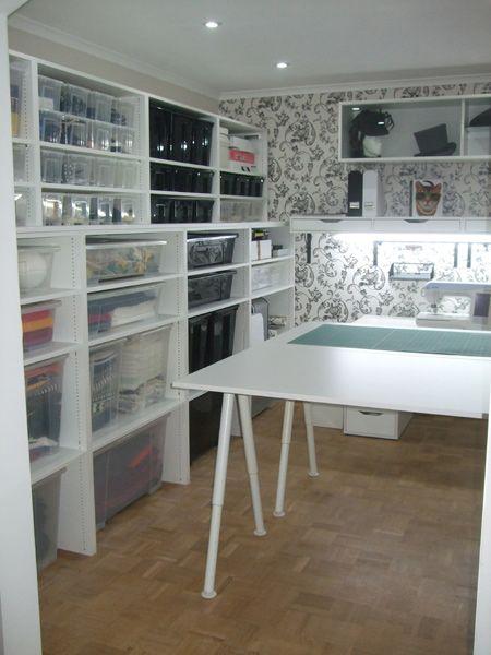 tolles n hzimmer teil 3 stoffvorrat und zuschneidetisch. Black Bedroom Furniture Sets. Home Design Ideas