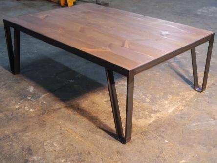 Mesa de centro vintage born en hierro y madera envejecida - Mesa de hierro ...