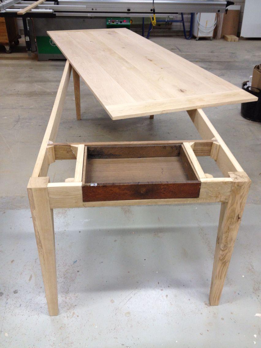 Nieuwe eikenhouten tafel met gebruik van oude lade. By Justus ...