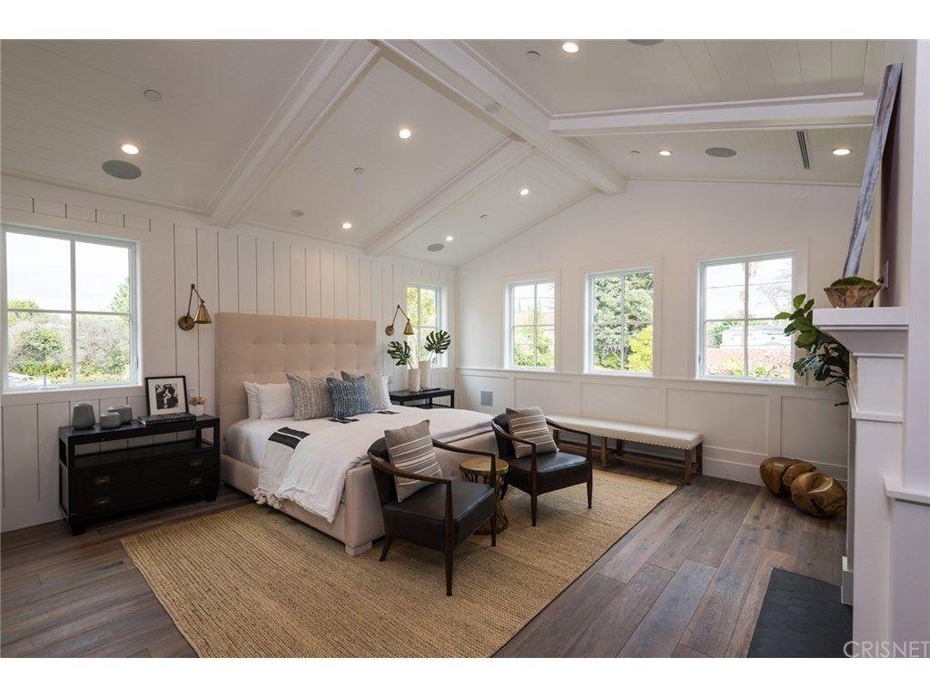 Master bedroom with 2 beds   Teesdale Ave Studio City CA   MLS SR  Redfin