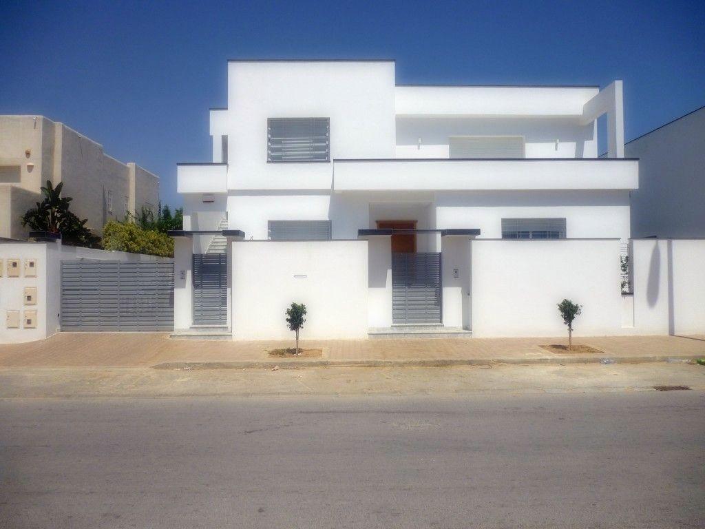 Fabrication sur mesure pour portes d entr e de villa for Casa moderna tunisie