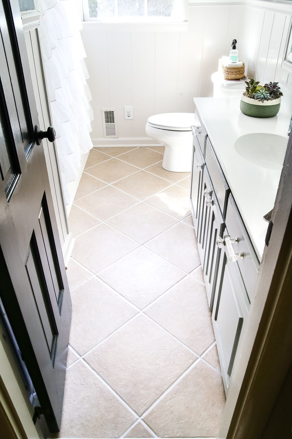 Prime Painted Tile Grout Refresh Bathrooms Tile Grout Home Interior And Landscaping Synyenasavecom