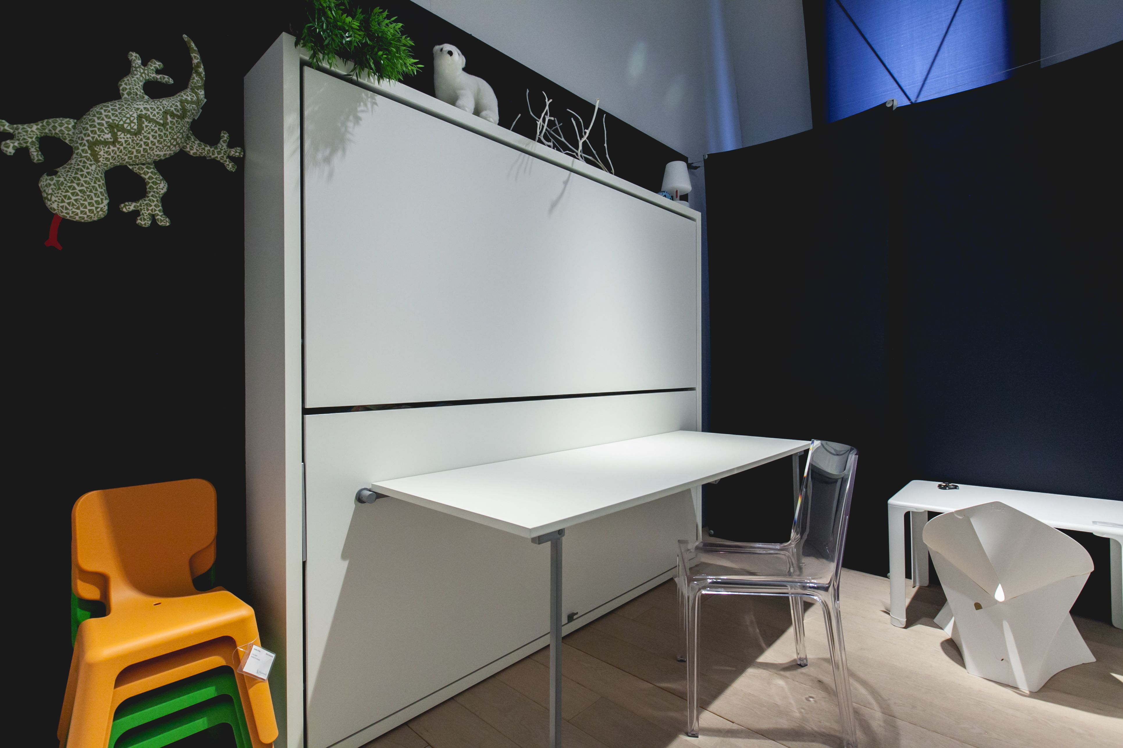 l Ontdek CLEI l  Een breed programma van multifunctionele meubelen dat meer ruimte in huis creëert. Met enkele bewegingen verandert een meubel in een volwaardig bed met lattenbodem. Geschikt om elke dag te gebruiken en elke dag weer opnieuw het plezier te ervaren van het innovatieve ontwerp en het gemak.