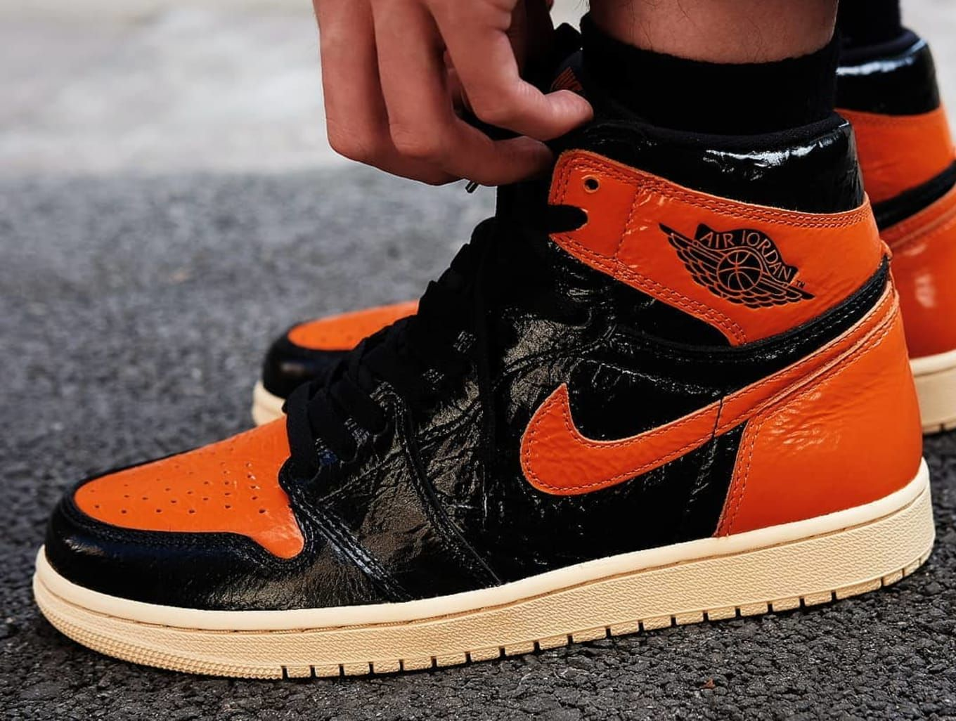 Air Jordan 1 Shattered Backboard 3 0 Black Pale Vanilla Starfish