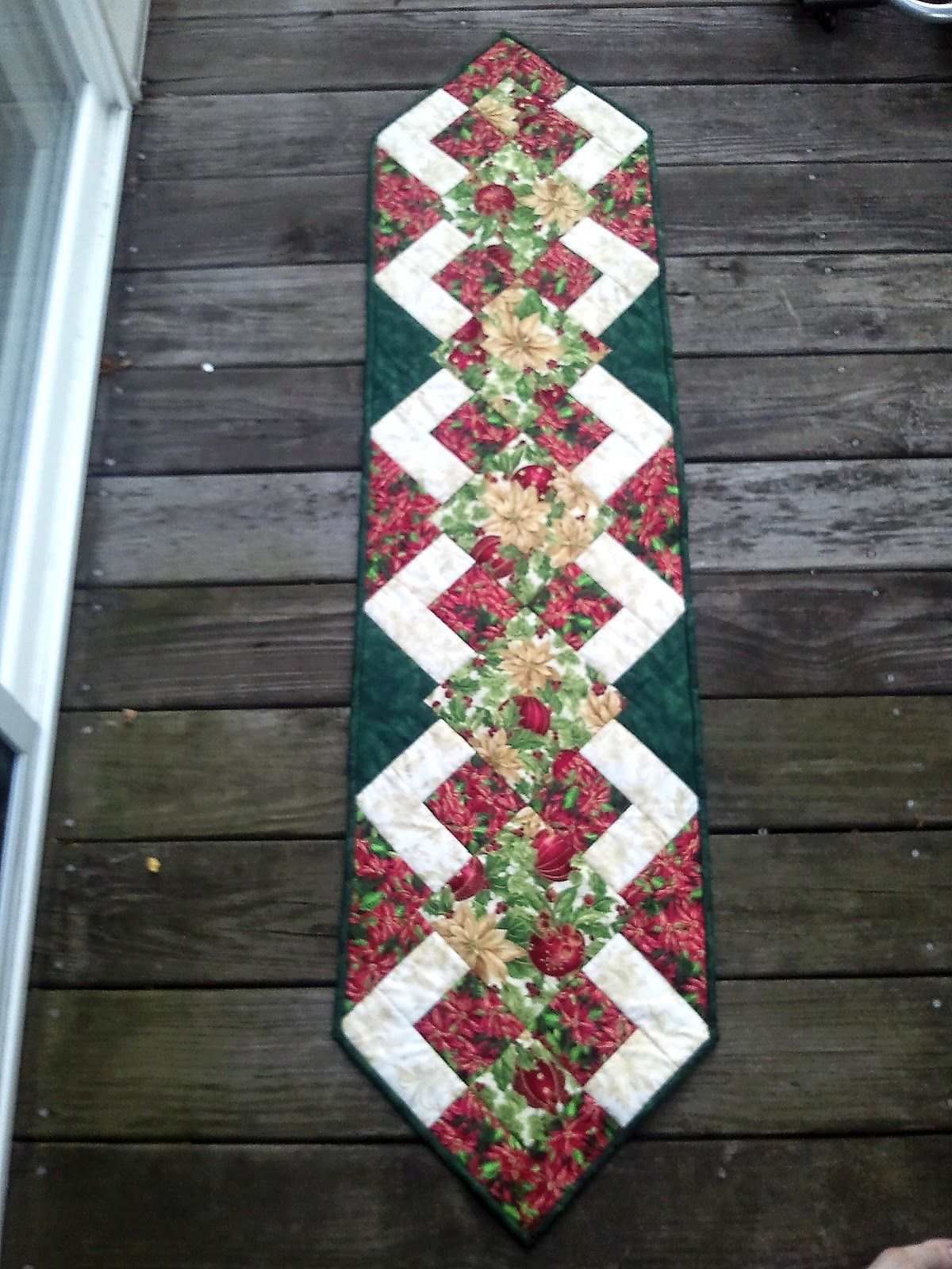 The Recipe Bunny Christmas Table Runner And Tutorial Decorating