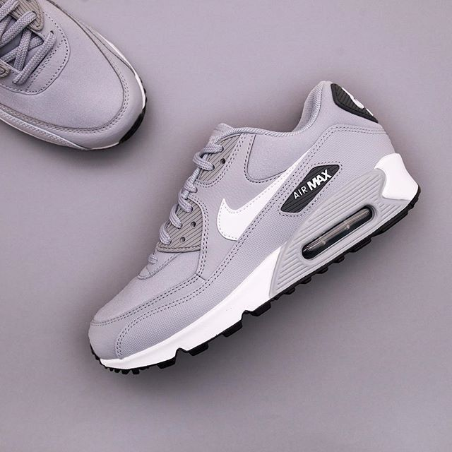 Nike Air Max 90   325213048   Footish is part of Sneakers nike - En grå AM90 blir aldrig fel, finns såklart på www footish se nike airmax90 sneakers uppsala footish