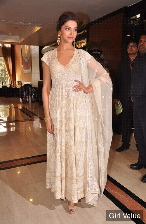 Deepika Padukone in White Salwar Kameez Photo
