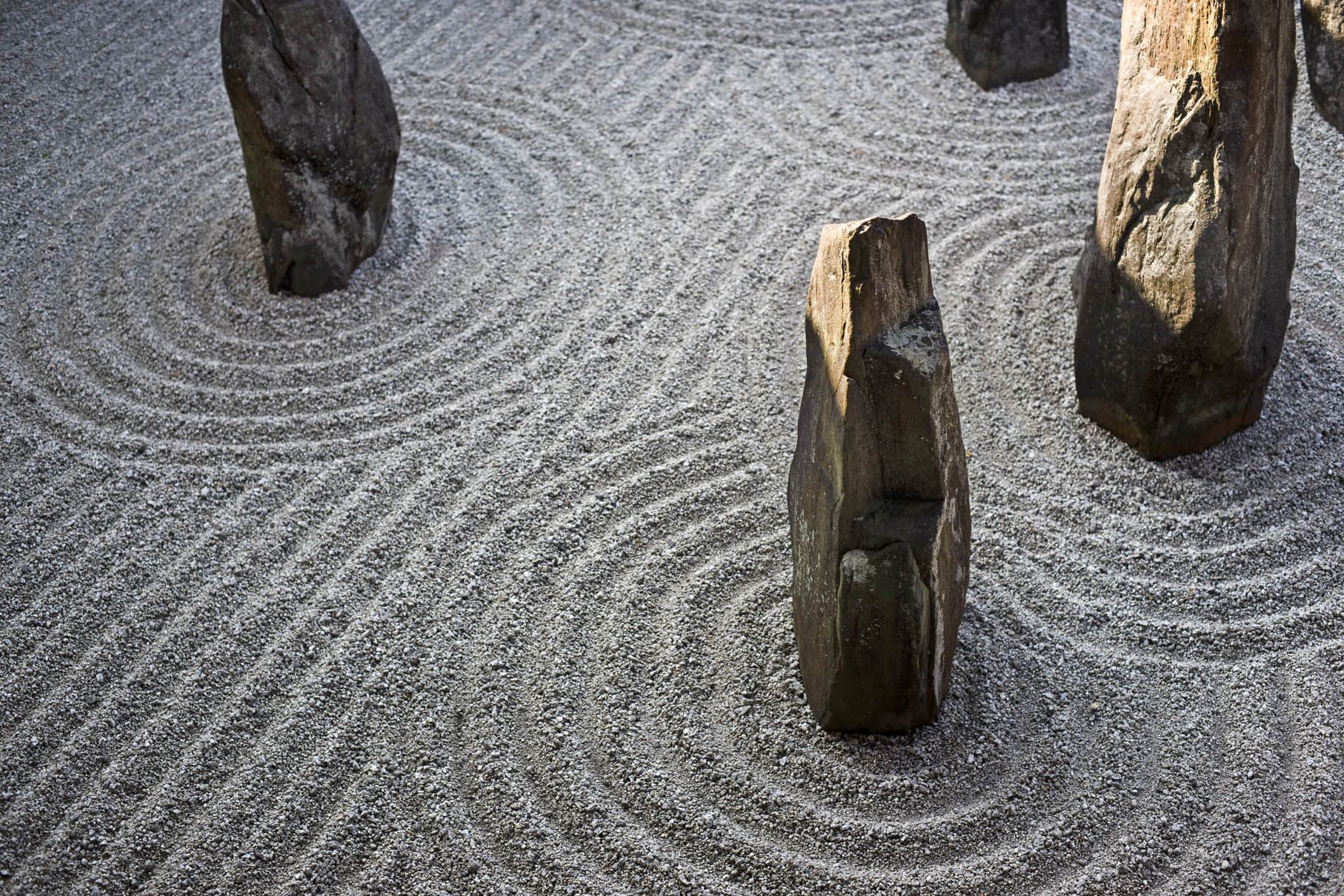 Tofuk ji temple zen stone garden kyoto sticks and for Sticks and stones landscaping