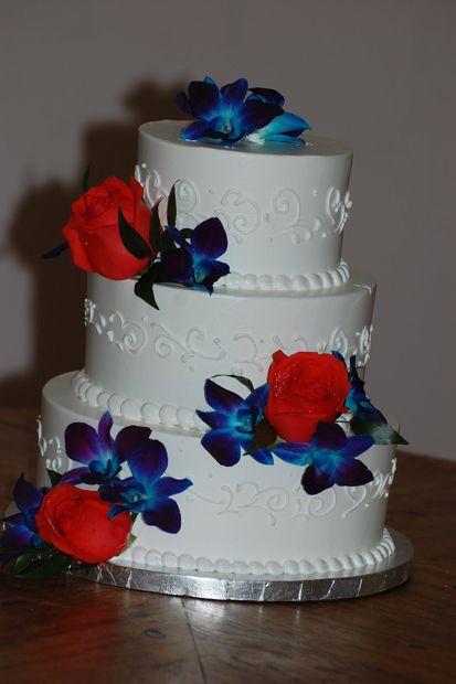 Masons Bakery Wedding Cake 164 Wedding Cake 3 Tier Round Red