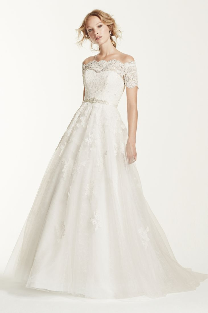 Lace Neckline Off The Shoulder Dress 24 Elegantly Tailored Wedding Dresses For Pear Shaped Body Everafterguide