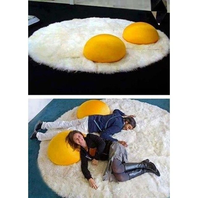 A Fried Egg Rug Cool Rugs Decor Cool Stuff