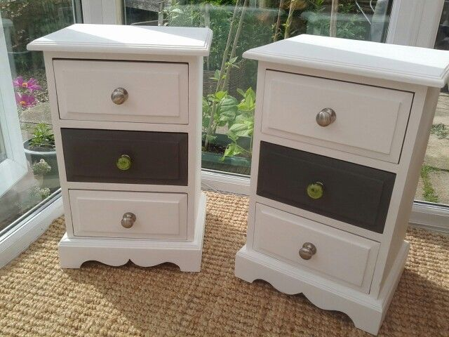 These Small Chests Of Drawers Complete The Bedroom Set Of Dressing Table  And Slim