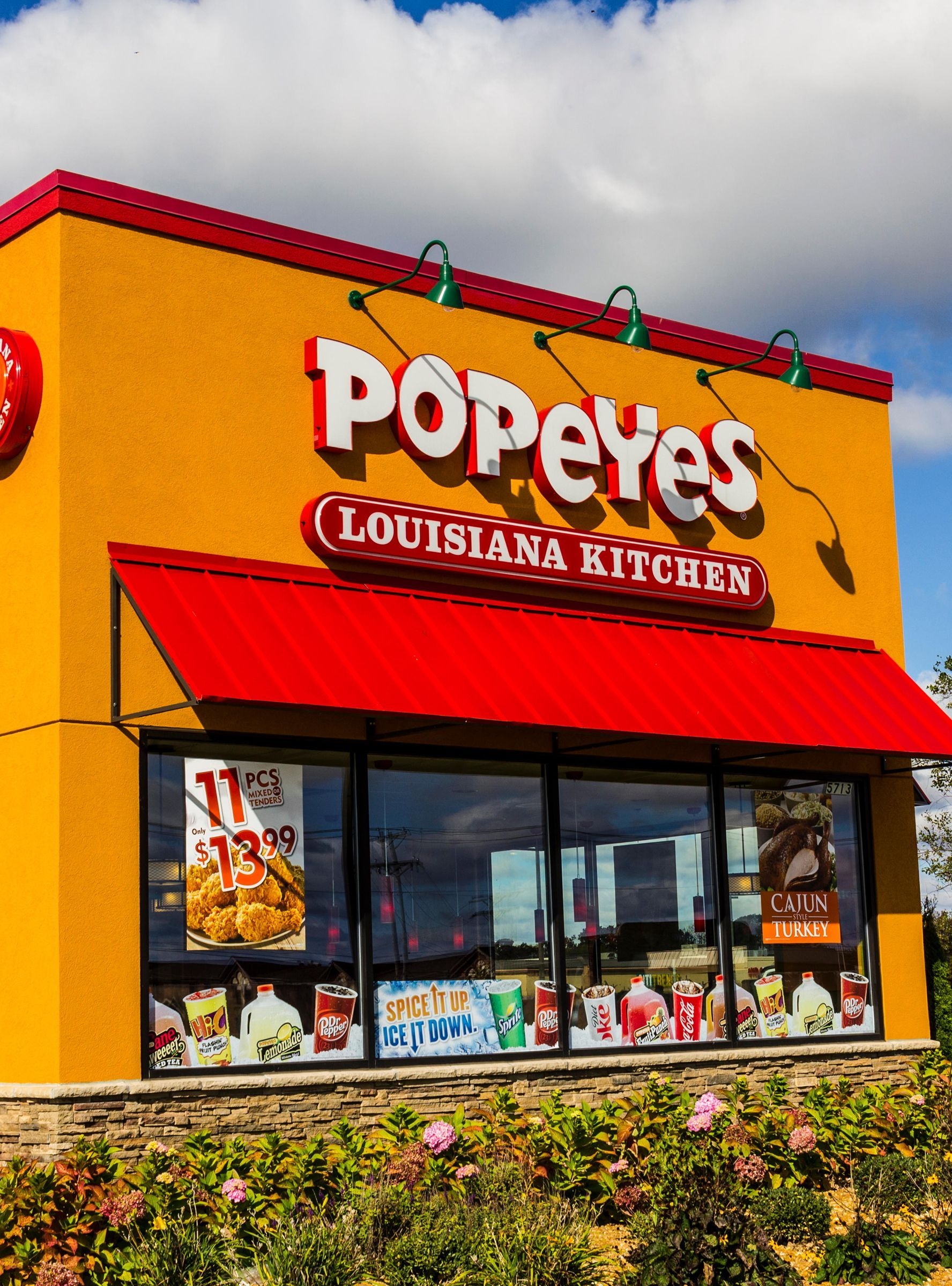 Yelpers Just Exposed A Restaurant For Passing Off Popeyes