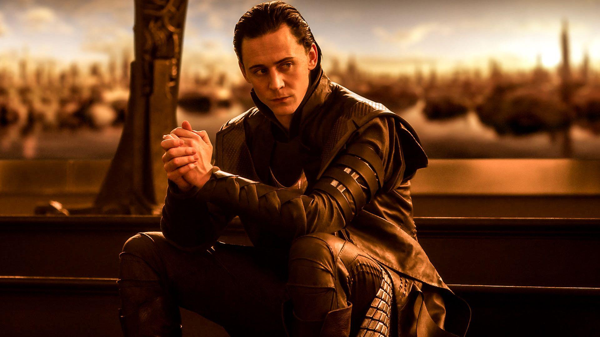 *click for full-sized version* Loki Tom Hiddleston ...