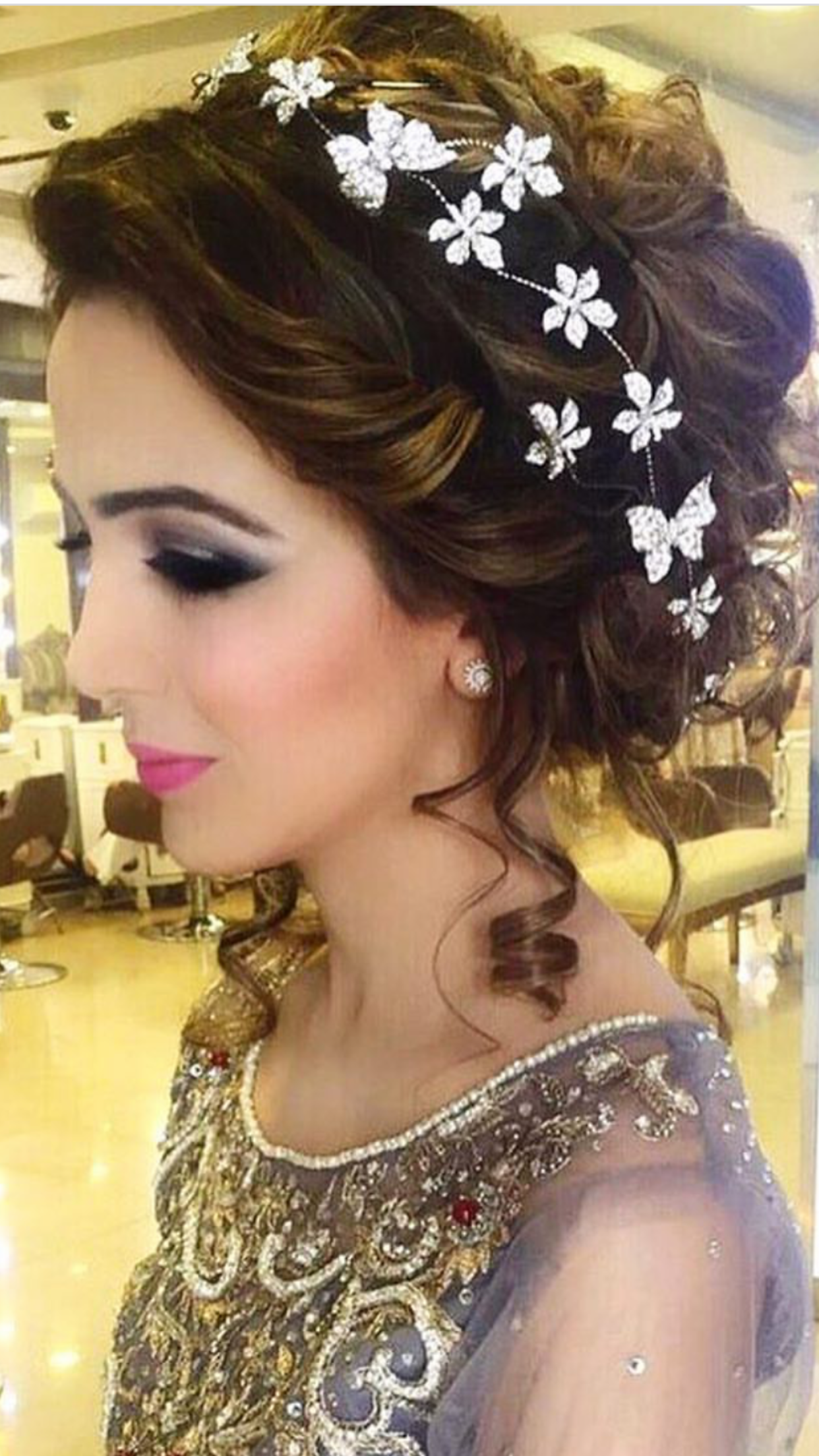Pin By Attractive Fashion Style On Hair Day Asian Bridal Hair Pakistani Wedding Hairstyles Wedding Hairstyles Updo