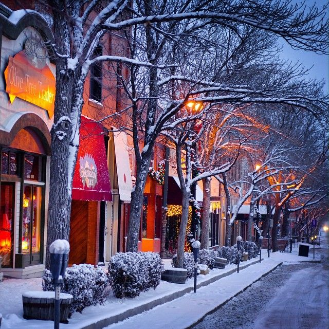 Nothing says Christmas like a stroll through Old Colorado City