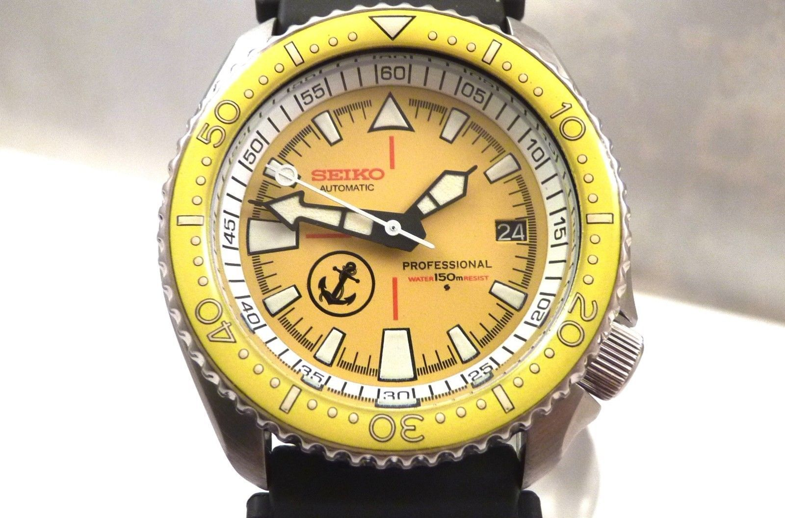 Seiko Ceramic Yellow Anchor Tuna Automatic Scuba Diver's Date Watch