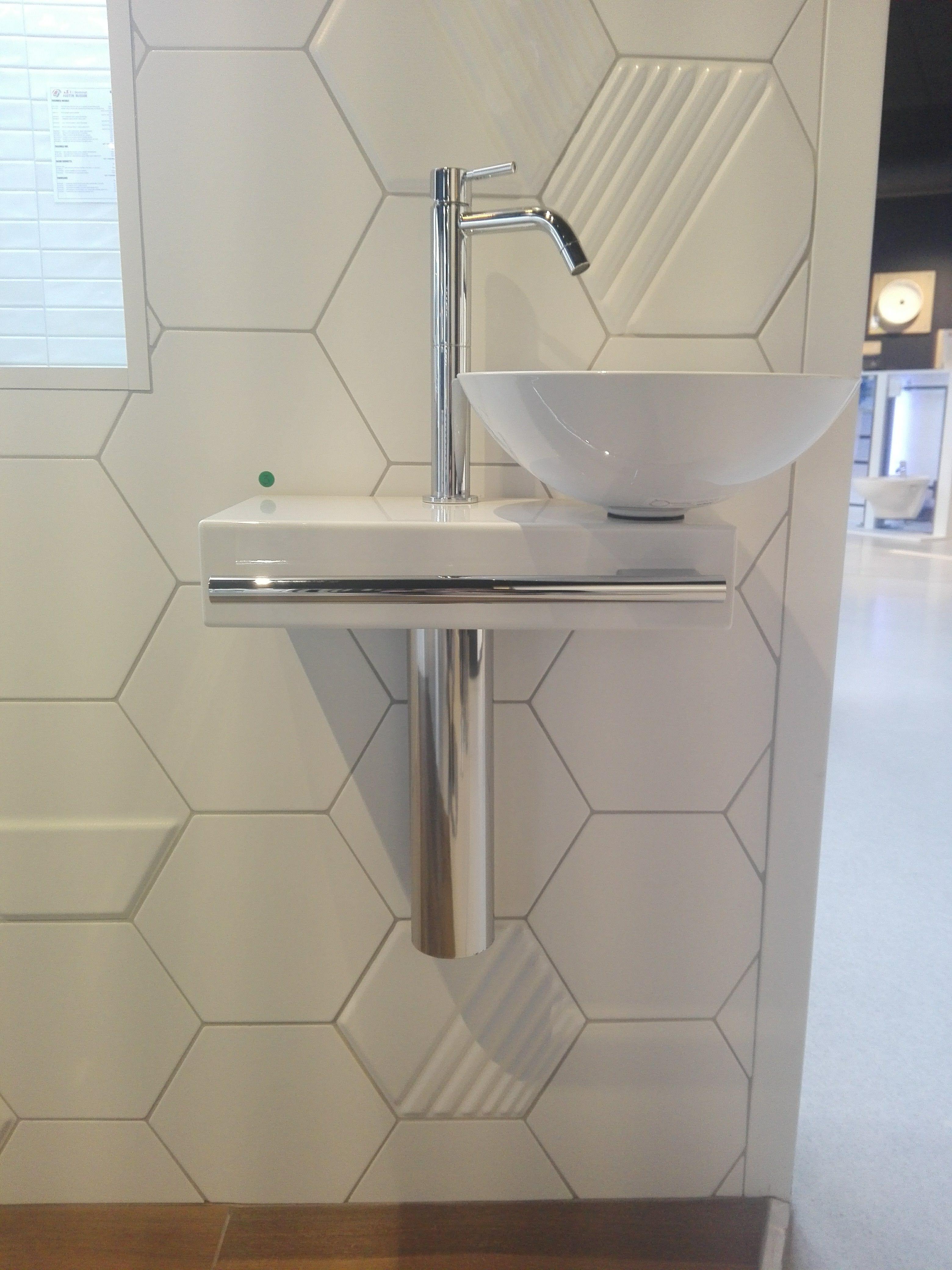Toilette Gain De Place picolo, le lave-mains gain de place à -40 % dans la salle d