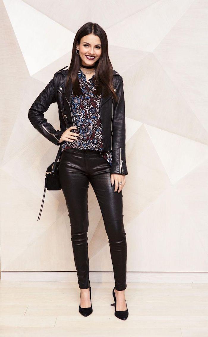 1001 visions inspirantes pour adopter le look rock femme rock motifs floraux et mode femme. Black Bedroom Furniture Sets. Home Design Ideas
