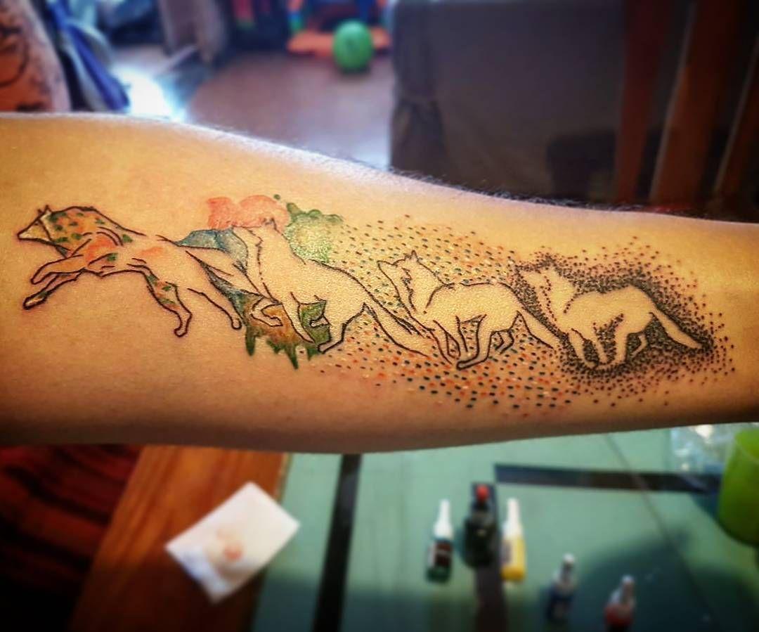 Familia De Lobos Familia De Lobos Tatuajes De Familia Tatuajes