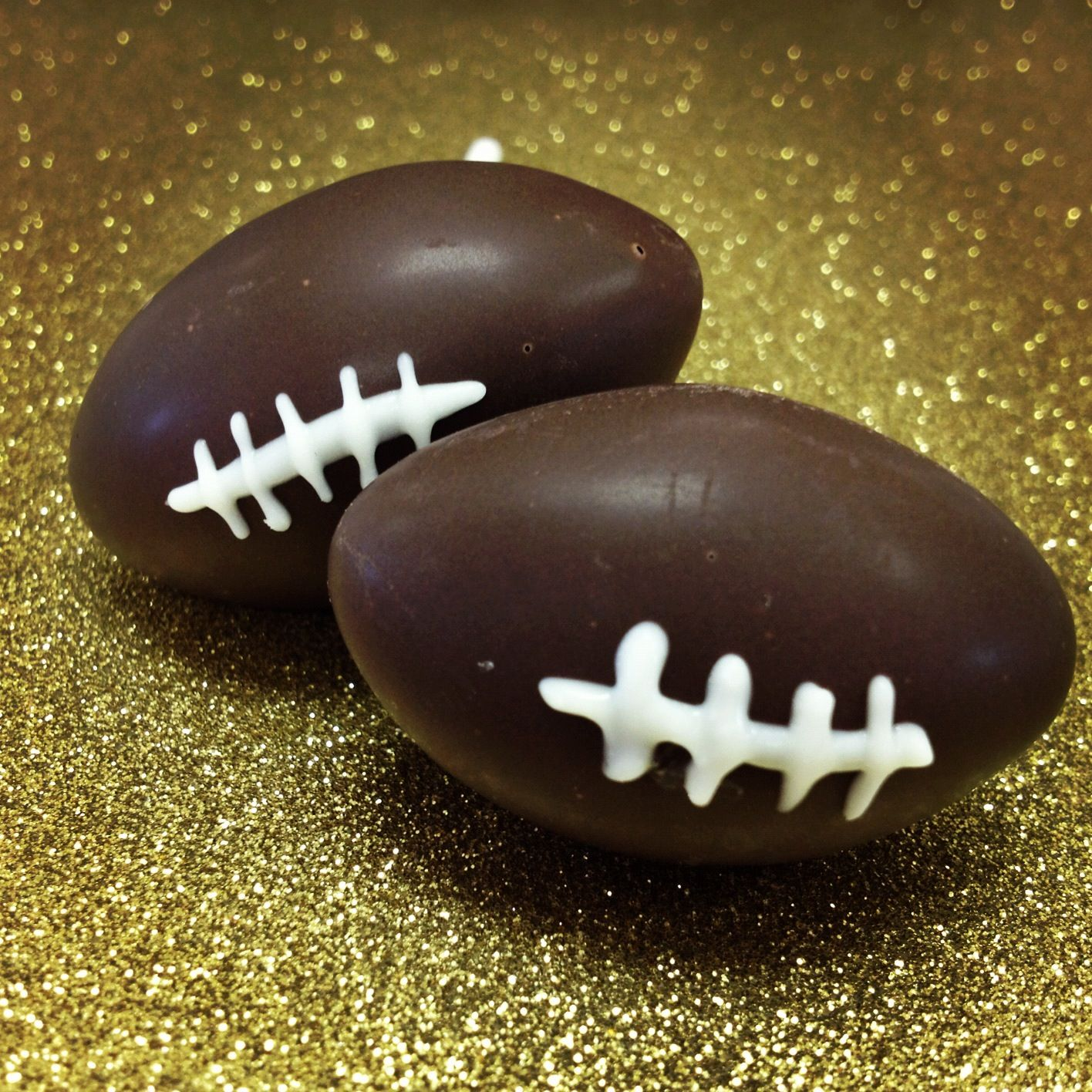 Football cake pops live in the new orleans area and want
