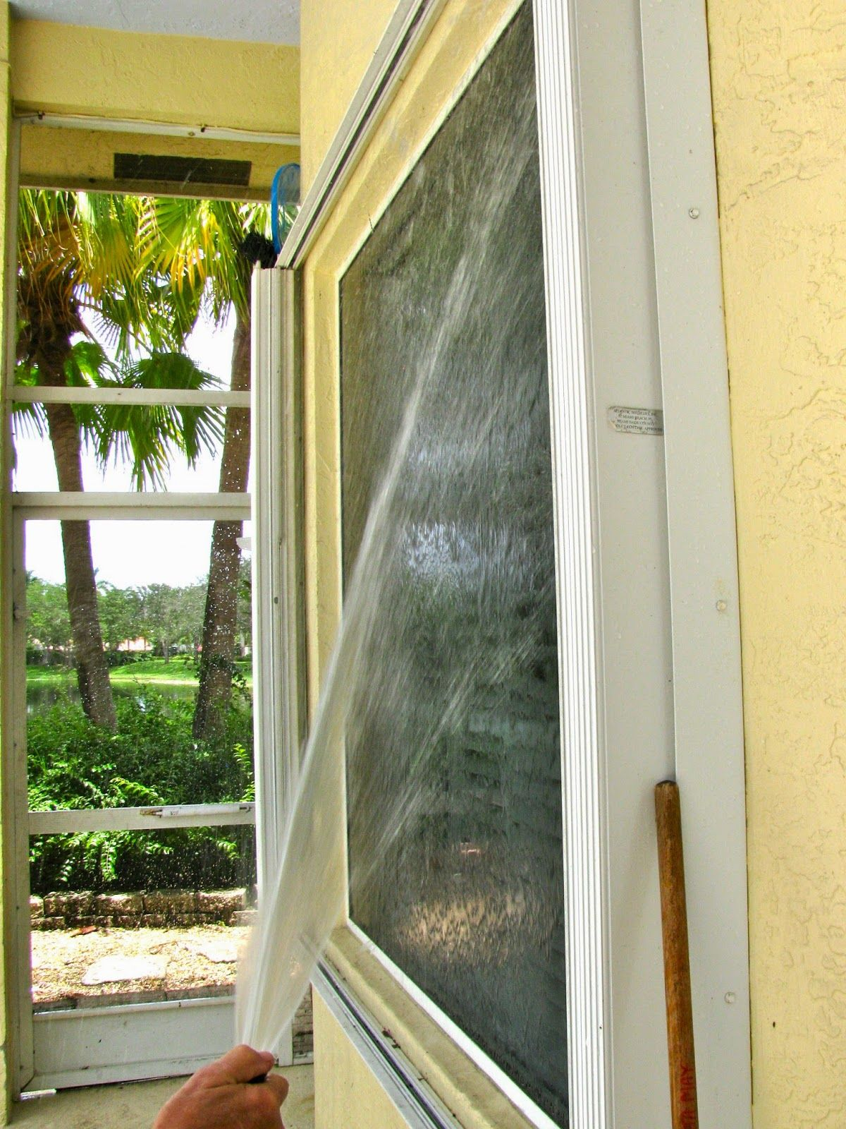 This Is The Easiest Way To Clean Your Outside Windows Wash On