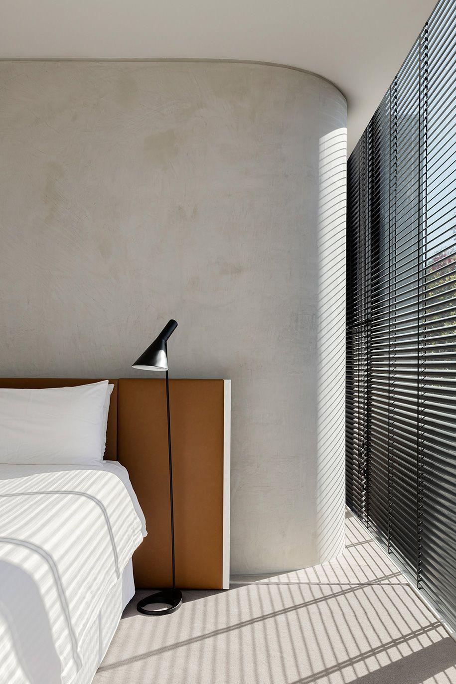 Robert davidov toorak a minimalist and brutalist residence
