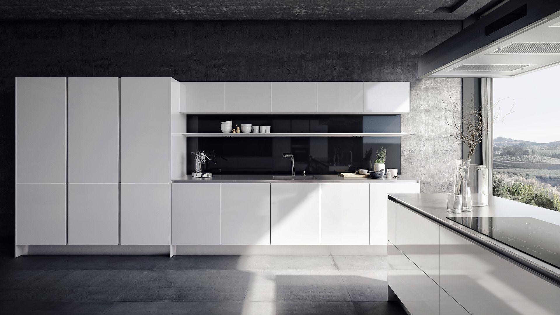 Grifflose Siematic S2 In Weiss Glanzend Mit Steindesign Arbeitsplatte In 1 Cm Optik Und Verglaster Nische Countrybacksplas Minimal Kitchen Design Minimalist Decor Interior Design Kitchen