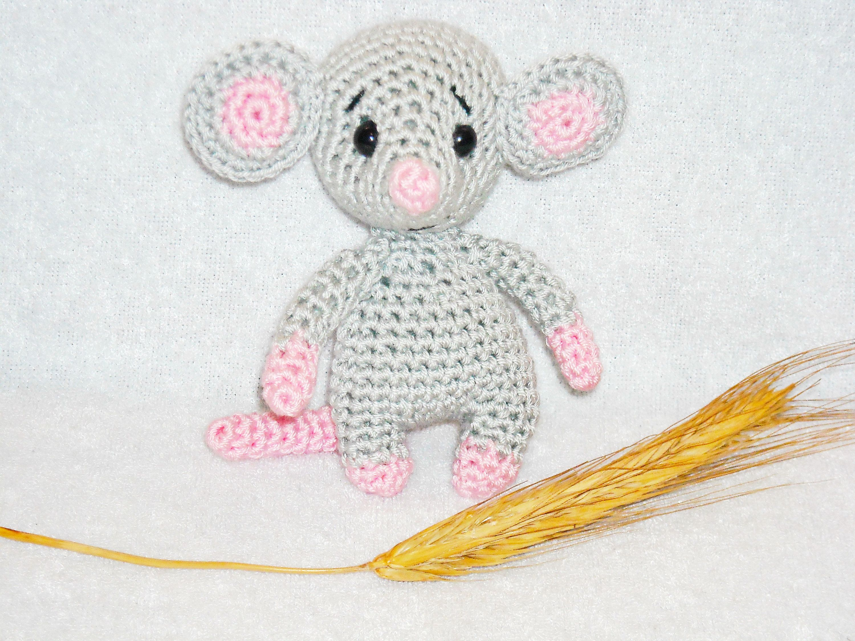 Tiny amigurumi mouse (free amigurumi pattern) | Mindy | 2250x3000