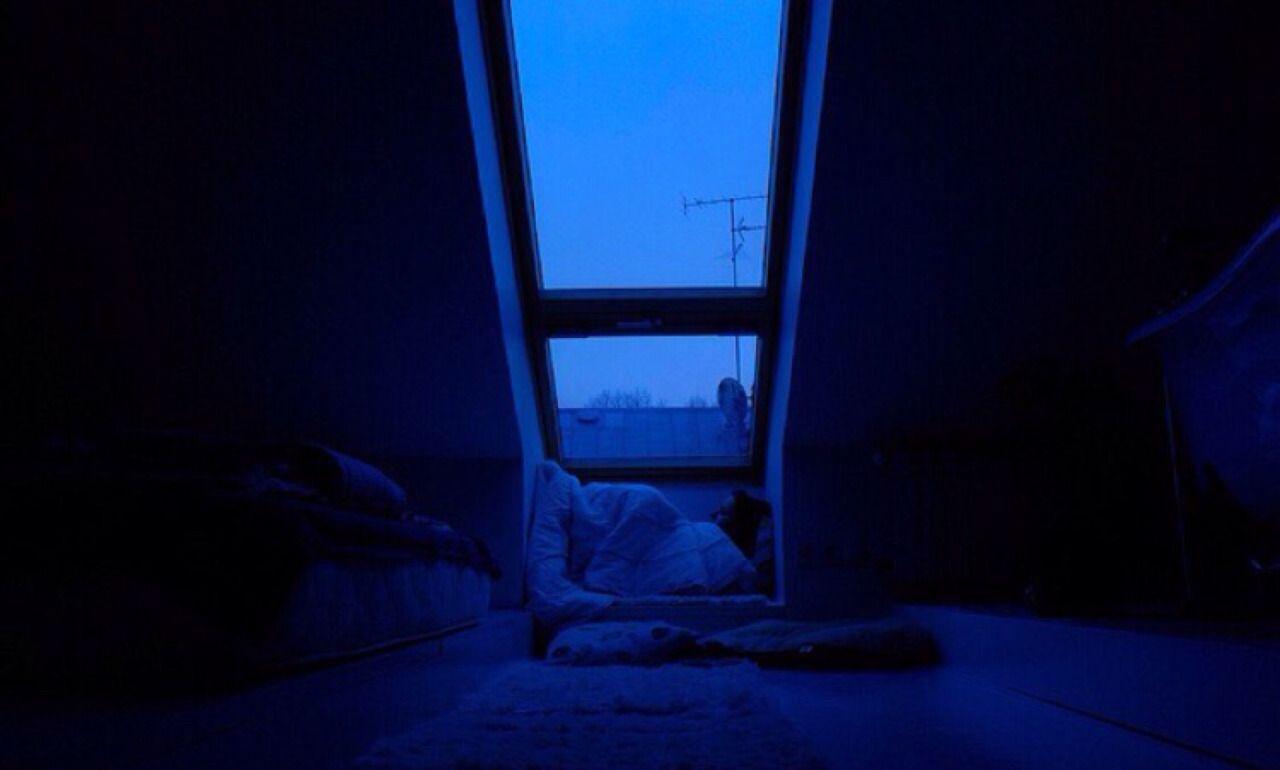Dark Blue Neon Lighting Computer Room