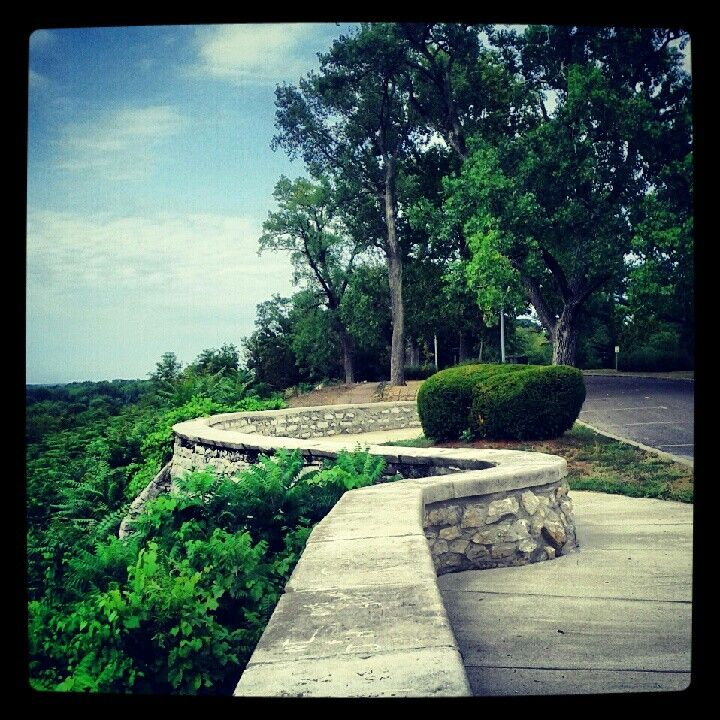 Bluff View In One Of Our Awesome Parks Quincy Illinois Beautiful Places To Live Quincy Illinois Riverview Park