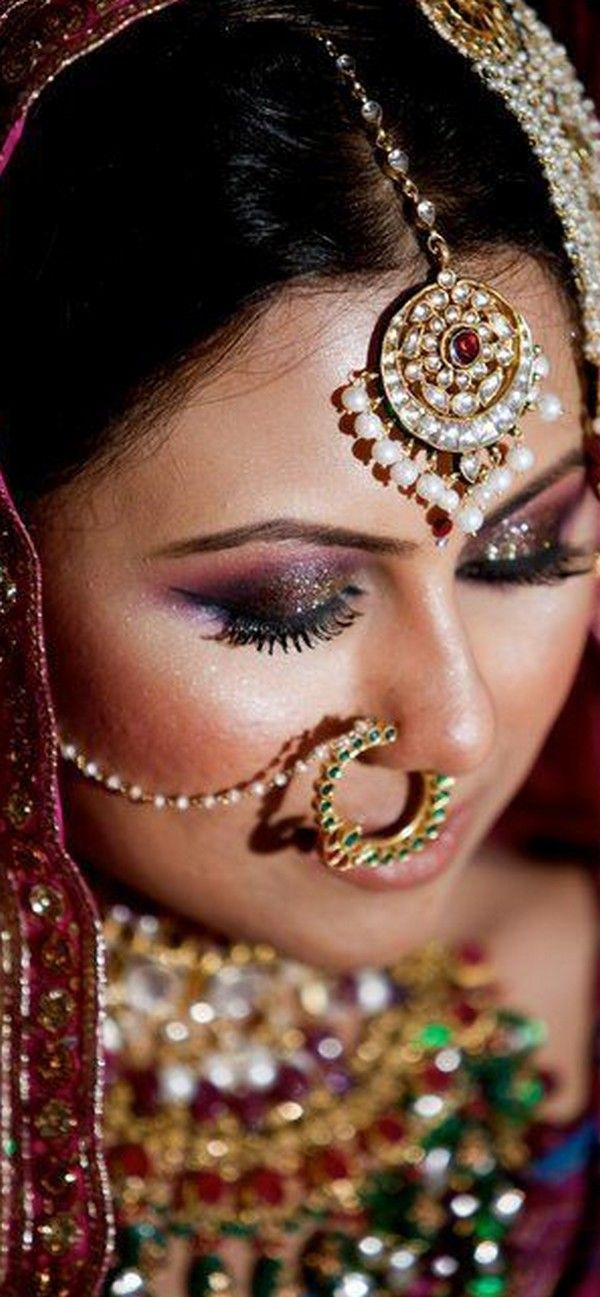 BRIDAL NOSE RING GIVING HER A BEAUTIFUL LOOK 7
