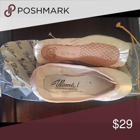 Ulanova Pointe Shoe