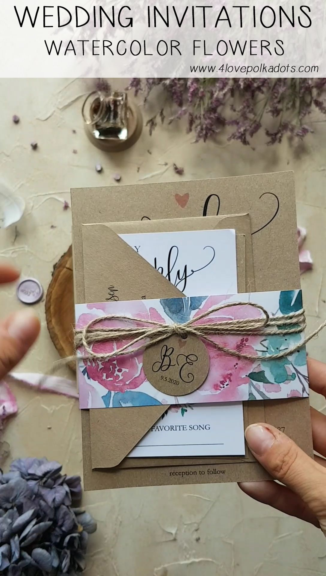 Wedding invitations with flowers  #bohemianwedding #watercolorwedding #weddingstationery #weddinginvitations