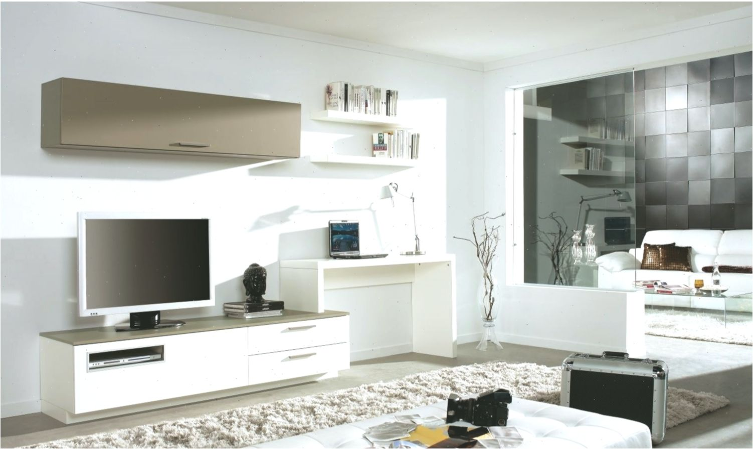 Love The Tv Desk And Wall Mounted Unit Looks As If It S All