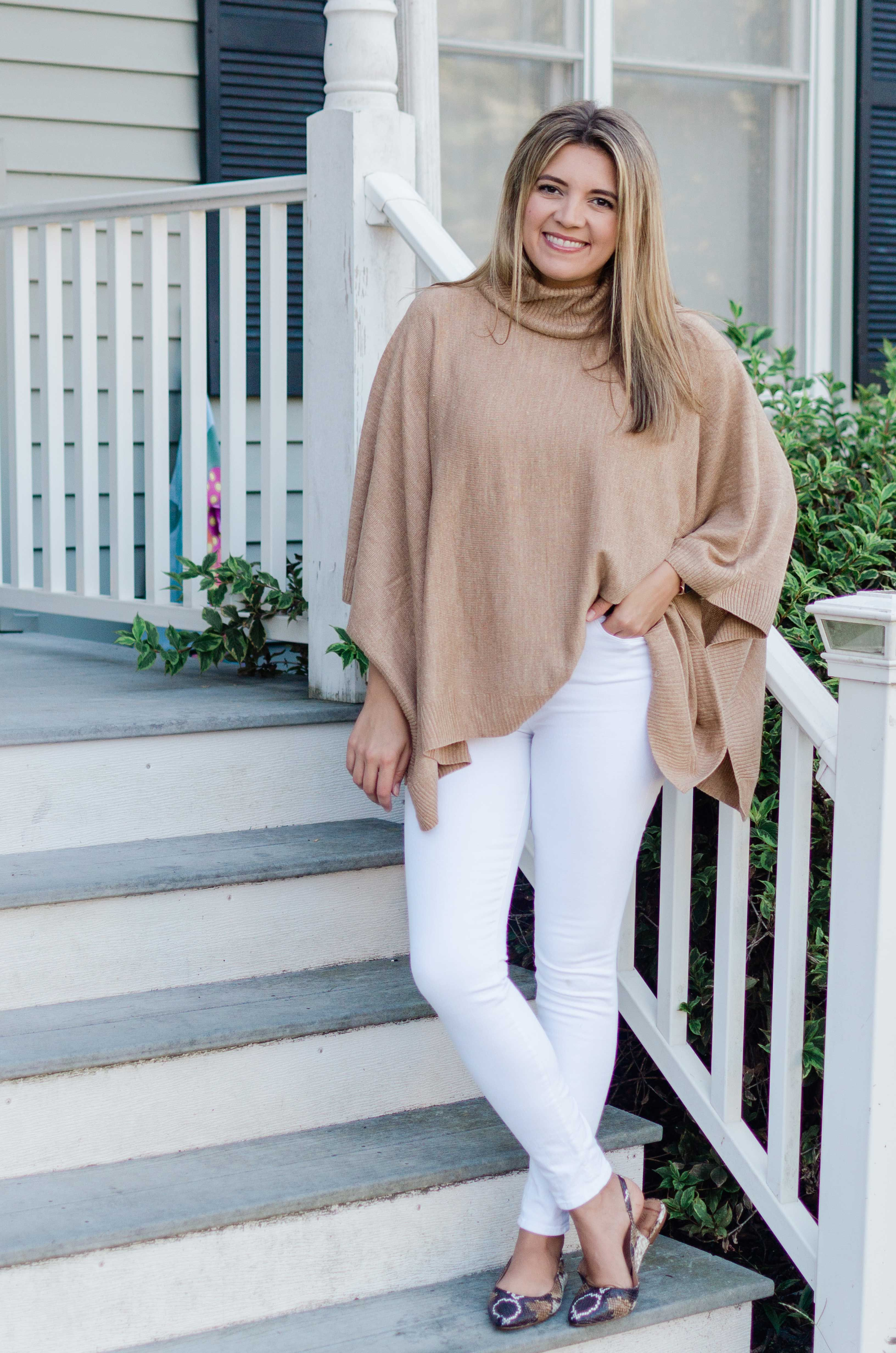 Five White Jeans Outfits for Fall | Fall White Denim Outfits | By Lauren M Trendy Outfits