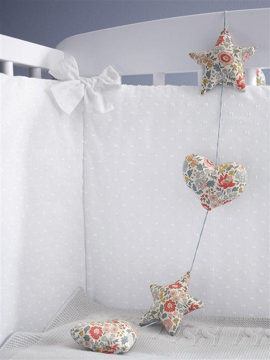tour de lit bébé blanc uni TOUR DE LIT PLUMETIS BLANC | Choses à acheter | Pinterest  tour de lit bébé blanc uni