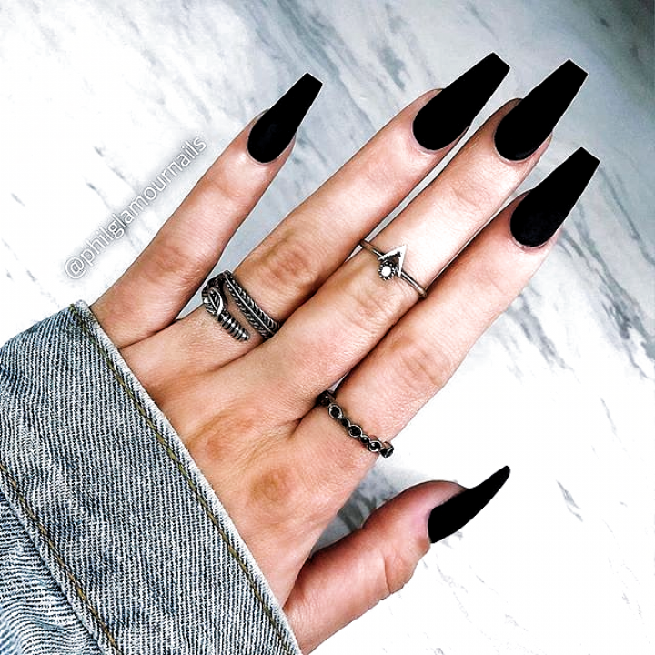 Nails Design Acrylic Nails Design Acrylic In 2020 Striped Nails Classy Black Nails Coffin Nails Matte