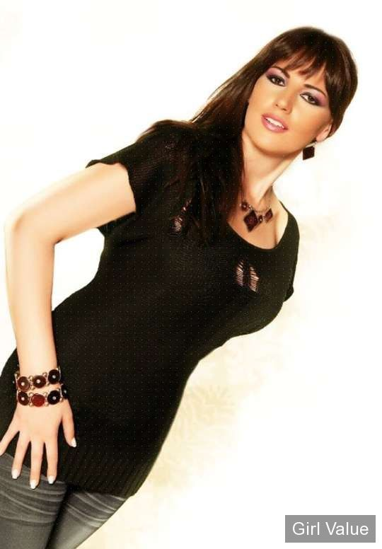 darine hamze with jeans photos lebanese star