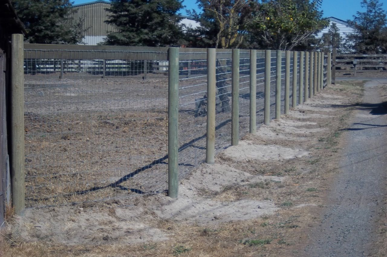Pin by Robert Cloninger on Farms | Pinterest | Wire fence, Fences ...