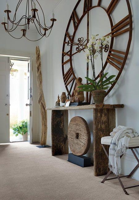 Foyer accessories - clock
