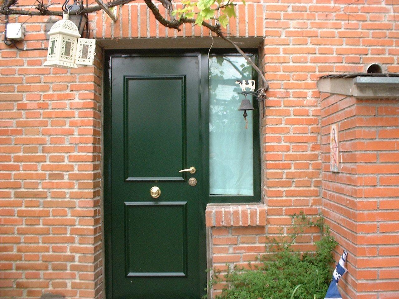 Puerta acorazada para exteriores con lateral de vidrio - Puerta acorazada madrid ...
