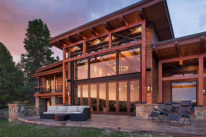 This Lakeside Home Is All About Zen Mountain Living Modern Lake House Mountain Home Exterior Architecture House