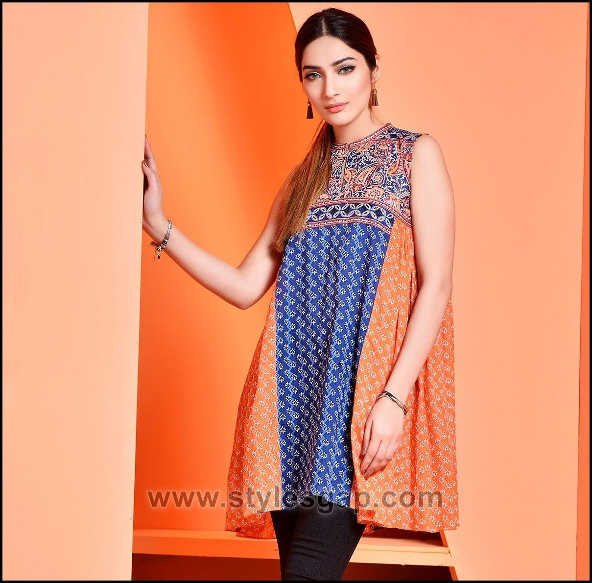 02299174f04 Summer Fashion Lawn Kurti Designs Trends Latest Collection 2018-2019  Kurtis
