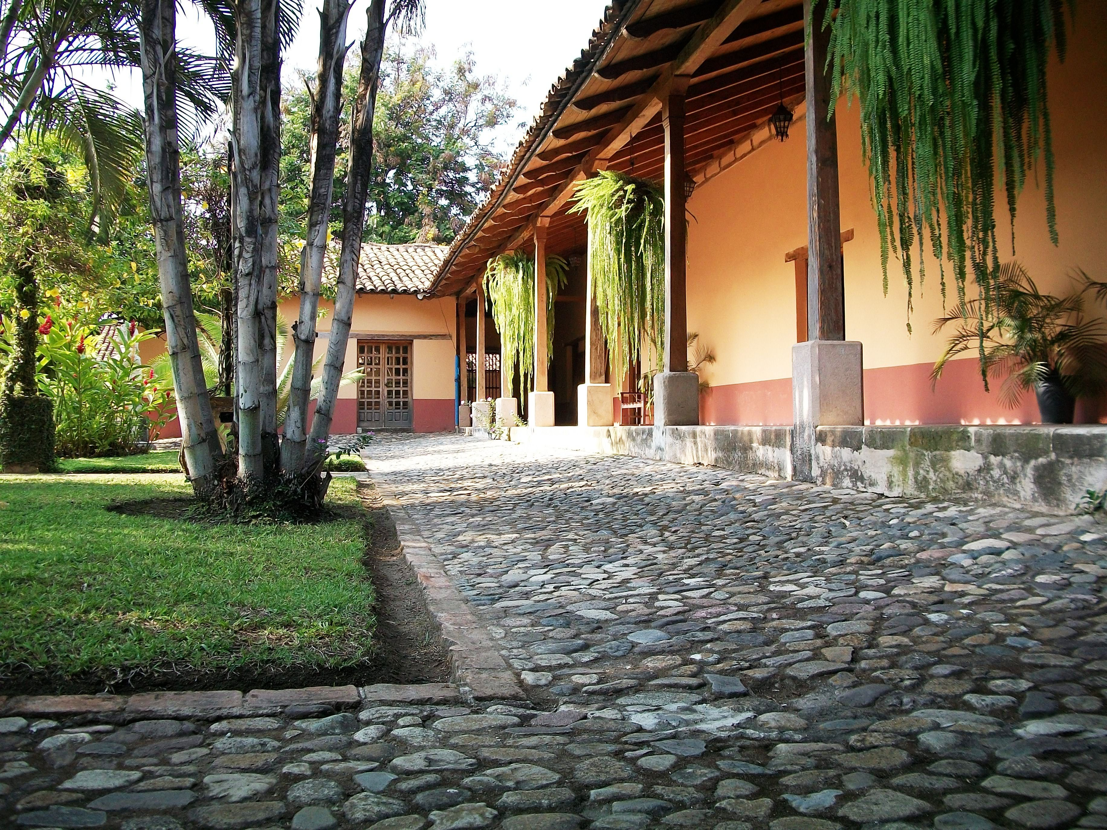 Honduras museo de arqueolog a regional de comayagua for Estilo colonial