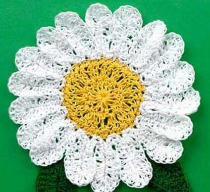 Crochet Daisy Coaster [FREE Crochet Pattern] | Crochet | Pinterest ...